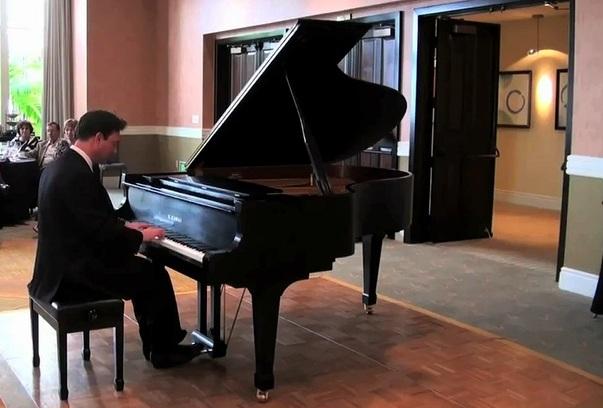 Amateur classical pianist