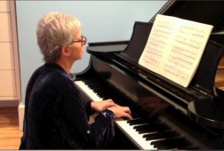 Robin plays Prelude in E-major, BWV 937, from Bach's Little Preludes and Fugues.