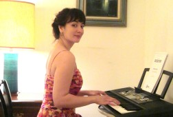 Nana Asatiani playing Debussy's Clair de Lune