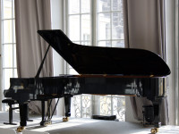 Steinway_concert_grand_piano