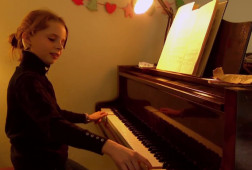 Holly_piano_Lost_and_Sound