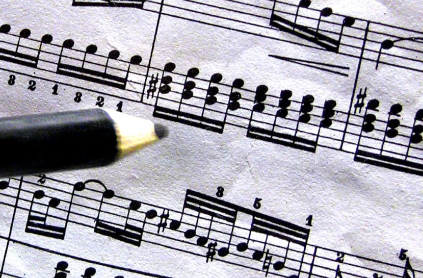 Pencil_piano_practice_score