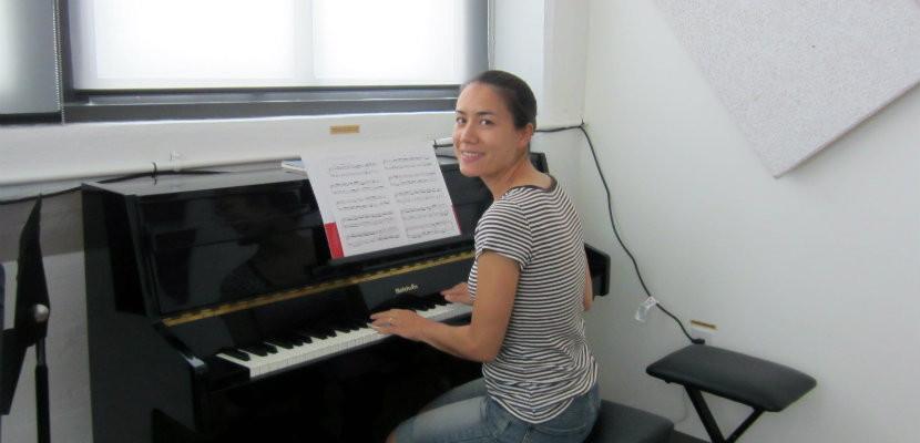 Joanna_Eng_piano_practice