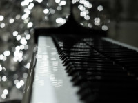 Piano_Christmas_lights