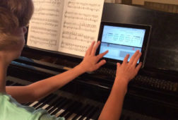 Piano_student_using_Rhythm_Lab