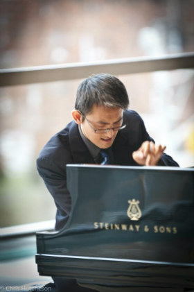 Amateur_pianist_Ricker_Choi