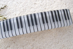 Piano_hair_barrette
