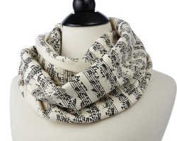 Sheet_music_scarf
